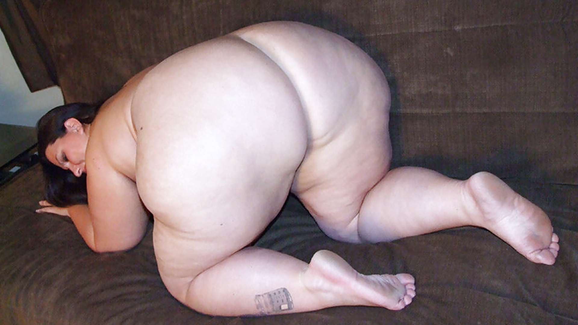 Phat ass bbw breaks loose from her man for the cam 3